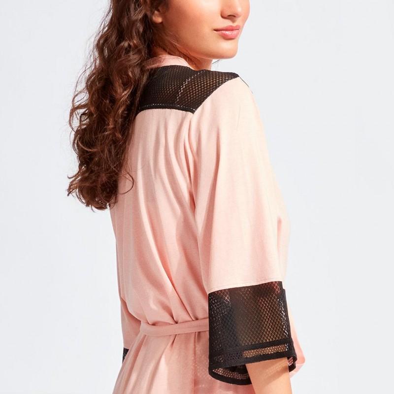 Bata rosa con encaje Gisela